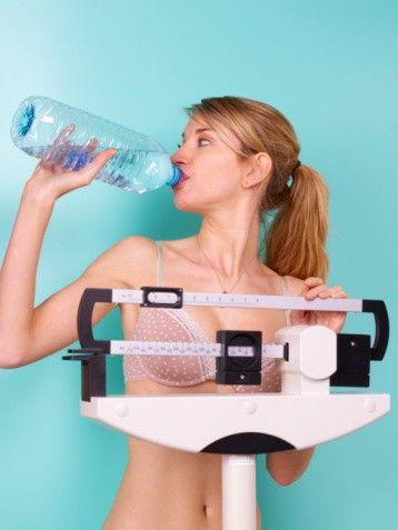 Водата помага за свалянето на килограми