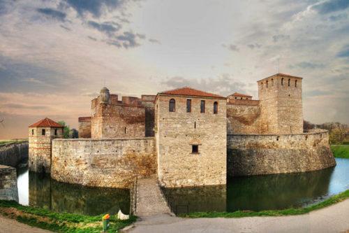 Средновековната крепост Баба Вида