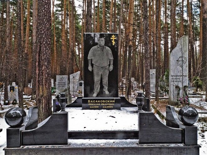 russian-mafia-gravestone12