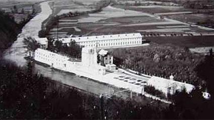 Тъкачната фабрика на Хаджиберов